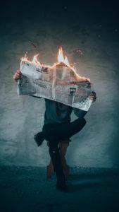 Actualité brûlante - (c) Elijah O'Donnell - Unsplash
